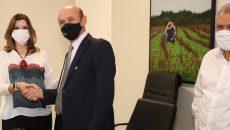 """Governo do Tocantins lança linha """"Crédito Fácil"""" em parceria com a Fecomércio"""